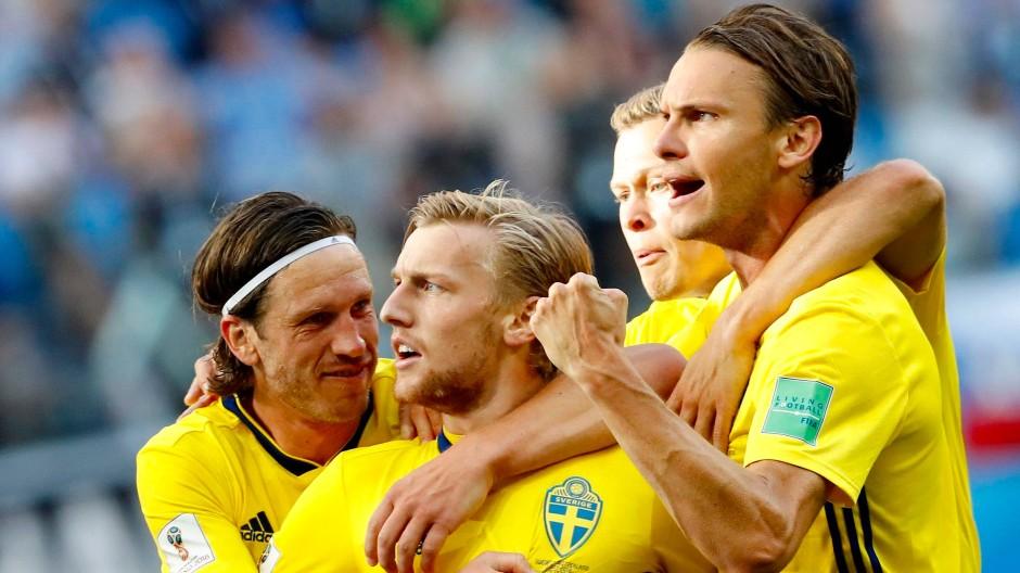 Der Torschütze Emil Forsberg (Zweiter von links) mit seinen schwedischen Teamkollegen.