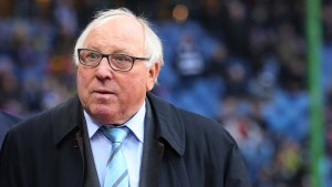 Uwe Seeler befürchtet Absturz des HSV