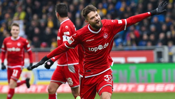 Kaiserslautern siegt bei Frontzeck-Debüt