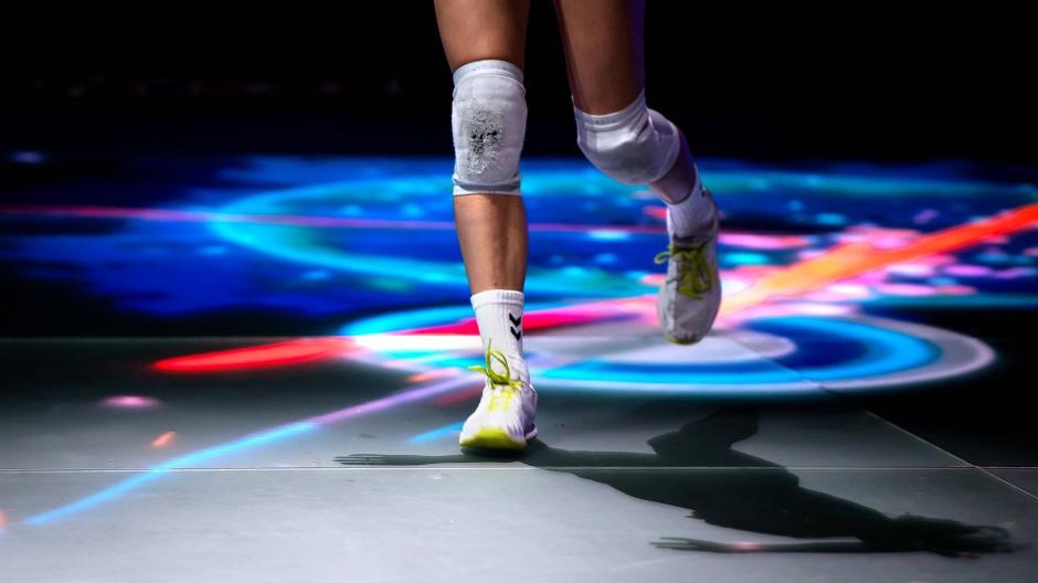 Der leuchtende Boden: Volleyball-Supercup auf Glas