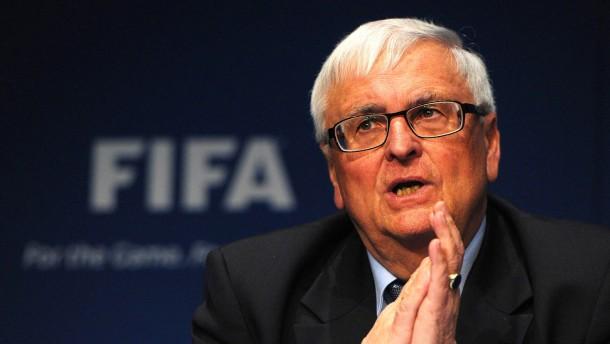 Zwanziger lässt Niersbachs Vertrag von Fifa prüfen