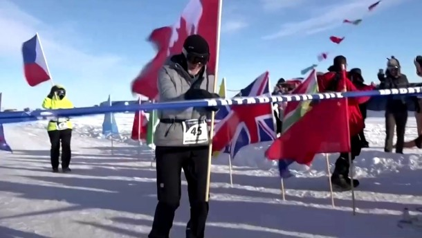 84-Jähriger läuft Marathon in Antarktis