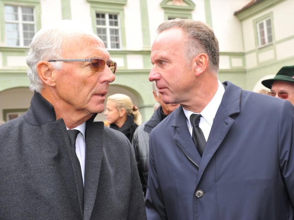 Rückendeckung für Beckenbauer: Bayern-Chef Rummenigge steht seinem ehemaligen Teamkameraden bei