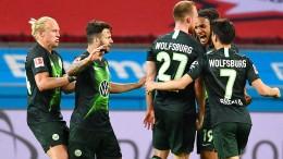 Wolfsburg spielt Leverkusen schwindelig