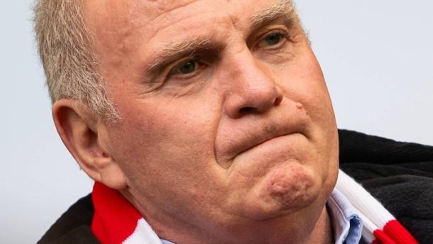 Ober-Fan Hoeneß stachelt seine Bayern an