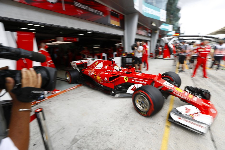 Keine schnelle Runde möglich: Sebastian Vettels Qualifiying endet in der Box