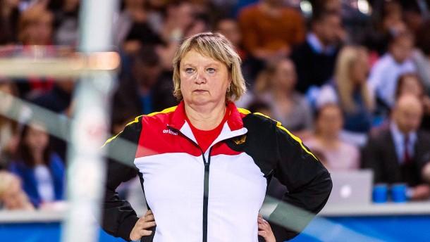 Turntrainerin räumt mögliche verbale Schikane ein