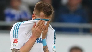 Die Fans beschimpfen Schalke