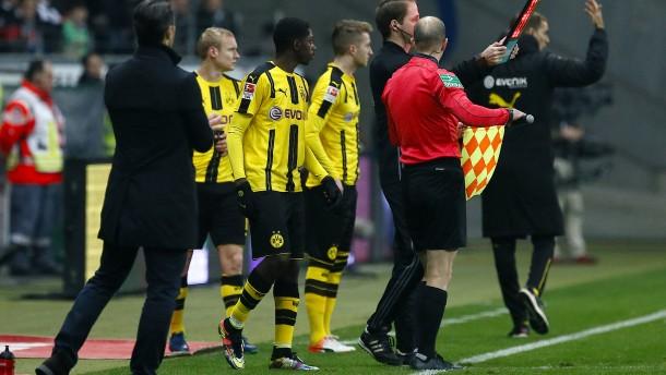Fifa erlaubt vorübergehend fünf Auswechslungen
