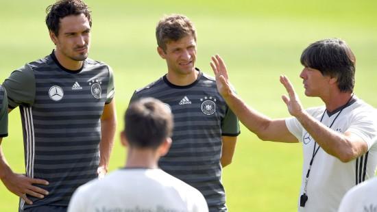Löw mustert Müller, Hummels und Boateng aus