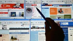 Klauseln übers Netz einbeziehen