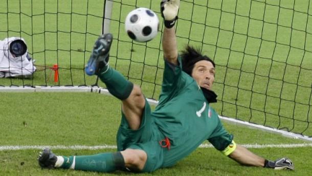 Buffon als Elfmeterheld, doch Italien vor dem Aus