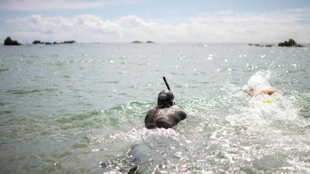Warum ein Franzose einmal quer durch den Pazifik schwimmt