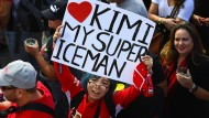 Nicht nur dieser Fan freute sich über den Sieg von Kimi Räikkönen.