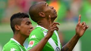 Naldo schießt Wolfsburg nach oben