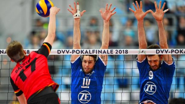 Friedrichshafen gewinnt gegen b hl den deutschen for Depot friedrichshafen
