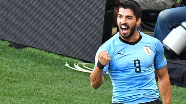 Suárez führt Uruguay ins Achtelfinale