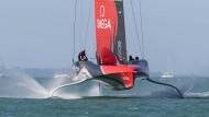 Schwebende Flitzer: Die Segelboote beim Prada Cup (hier Team New Zealand 2020) erreichen eine Geschwindigkeit von mehr als 70 Kilometer pro Stunde.