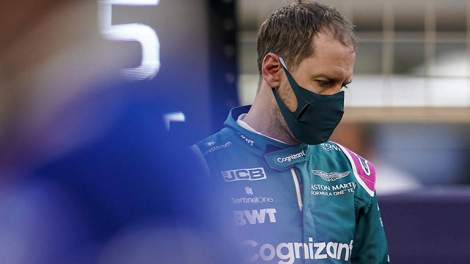 Fühlt sich im neuen Cockpit noch nicht wohl: Sebastian Vettel klagt über das unruhige Heck seines Aston Martin.