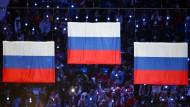 Gold, Silber, Bronze: Alles für Russland,  wie hier das Bild von der Medaillenverleihung nach dem  olympischen 50-Kilometer-Skilanglauf in Sotschi zeigt.
