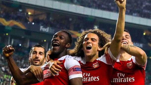 Arsenal und Chelsea bauen Serien aus