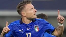 Italien gewinnt das Eröffnungsspiel