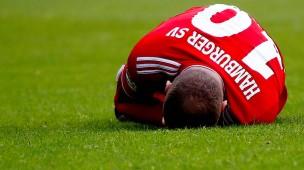 Am Boden? Der Hamburger SV um Pierre-Michel Lasogga hat den direkten Wiederaufstieg in die Bundesliga nicht geschafft.
