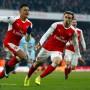 Und dann kommt Sanchez (links): Arsenal gewinnt doch noch mit 2:1.