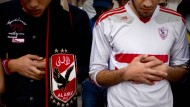 Gebete für die Toten: Fußballfans in Kairo nach den Vorfällen vom 9. Februar 2015