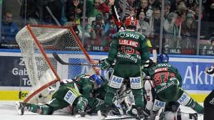 Augsburg erzwingt siebtes Spiel
