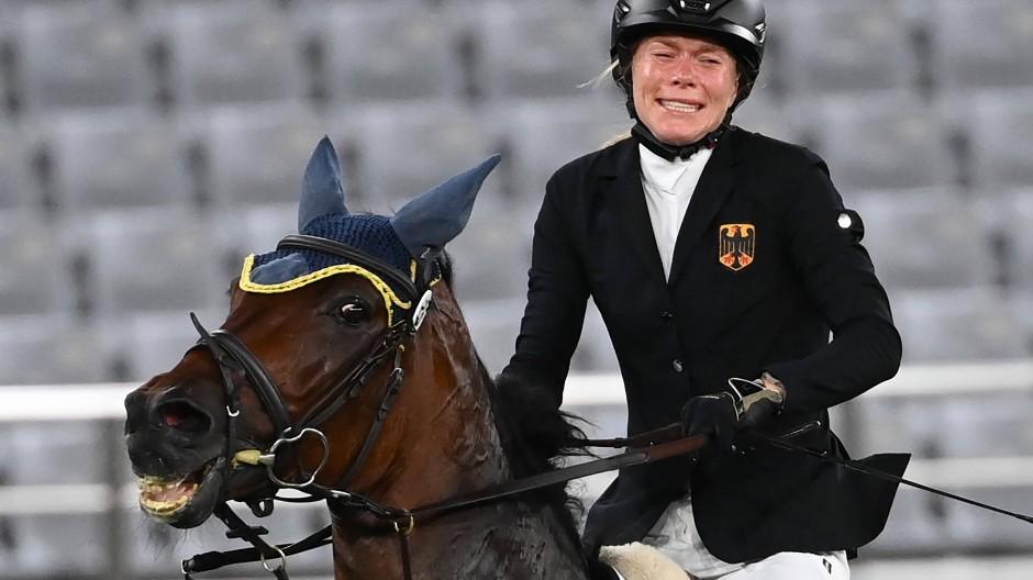 Annika Schleu kam mit dem ihr zugelosten Pferd nicht zurecht.