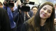 Yusra Mardini lacht das mediale Gedränge einfach weg