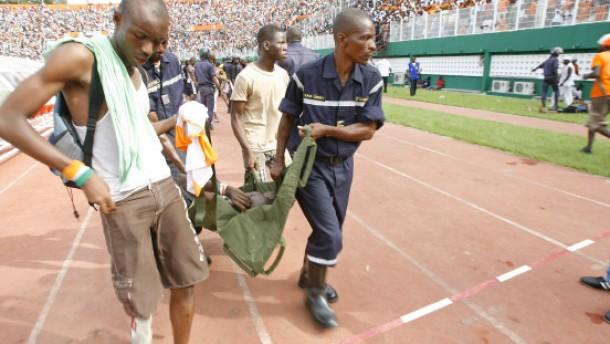 19 Tote nach Panik in Fußballstadion in Abidjan