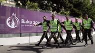 Sicherheit geht vor Freiheit: Aserbaidschanische Soldaten in Baku