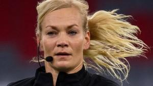 Steinhaus-Webb verabschiedet sich mit Kritik am DFB