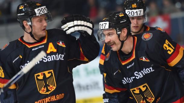 Prestigesieg beim Eishockey-Neuanfang