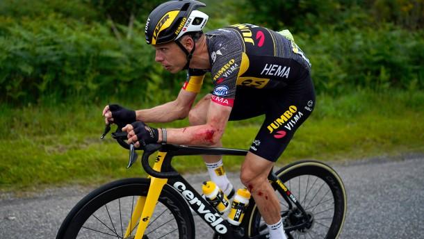 Heftige Massenstürze beim Start der Tour de France