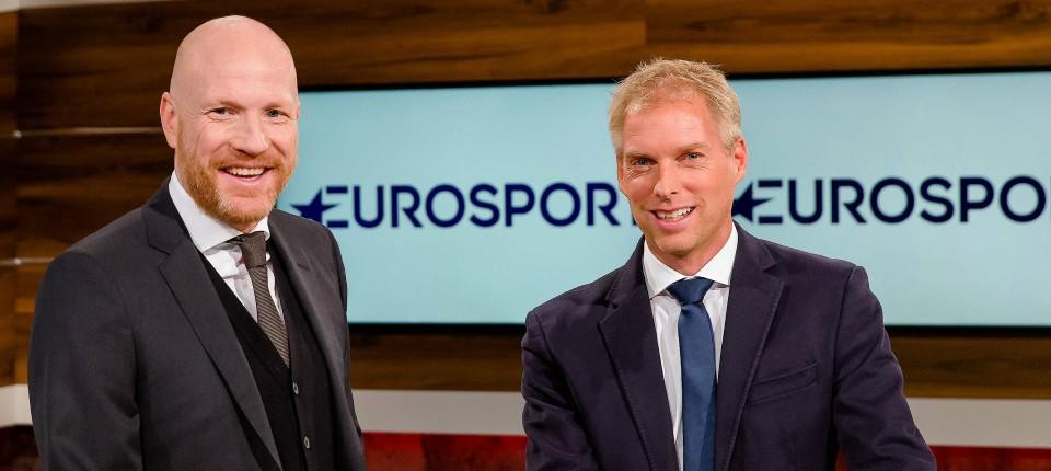 Eurosport Und Sky Streiten Um Ubertragung Der Bundesliga Ab 2017