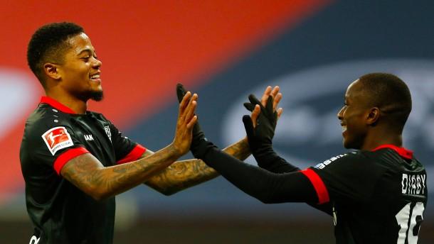 Leverkusen meldet sich eindrucksvoll zurück
