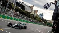 Am Ende der glückliche Sieger: Lewis Hamilton im Mercedes.