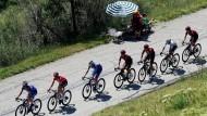 Jetzt bloß nicht abreißen lassen: Die Sprinter kämpfen bei der Tour um den Anschluss.