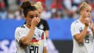 Enttäuschung nach dem WM-Aus: die deutschen Fußball-Nationalspielerinnen Lina Magull (links) und Giulia Gwinn