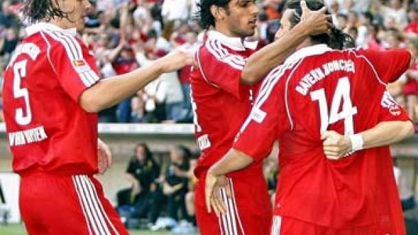 Van Bommel läßt die Bayern jubeln