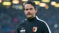 Aus und vorbei: Dirk Schuster wird als Trainer in Augsburg entlassen.