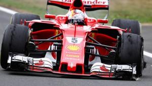 Vettels Reifen platzt kurz vor dem Ziel