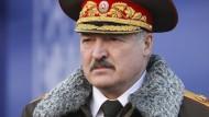 """""""Es gibt keinen Grund, warum sie nicht stattfinden sollte"""": Aleksandr Lukaschenka glaubt weiter an die Eishockey-WM in Belarus."""