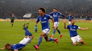 Schalke siegt in letzter Sekunde