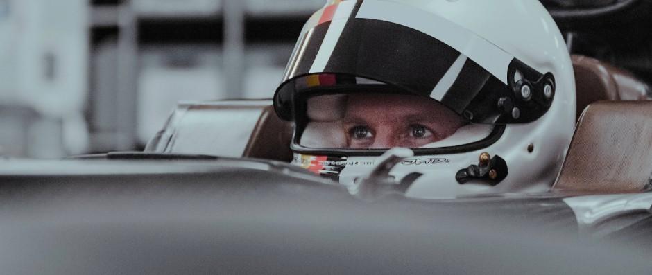 """""""Platz drei ist das Ziel"""": Nach seiner Zeit bei Ferrari fährt Sebastian Vettel nun für seinen neuen Rennstall."""