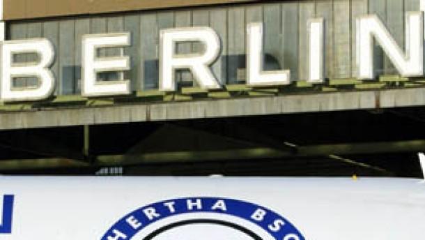 VfB hofft auf Weihnachtsgeld - Hertha will friedliches Fest