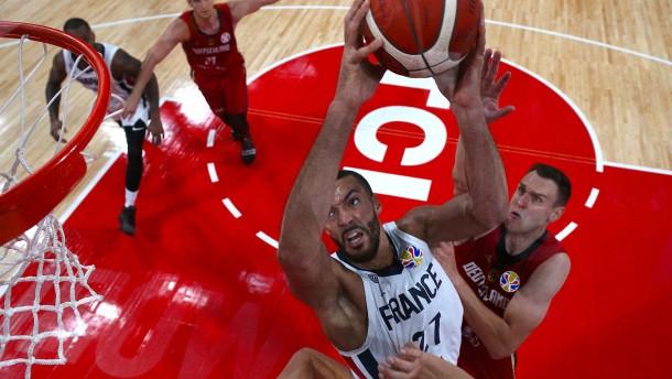Deutschlands katastrophaler Start kostet Sieg bei Basketball-WM
